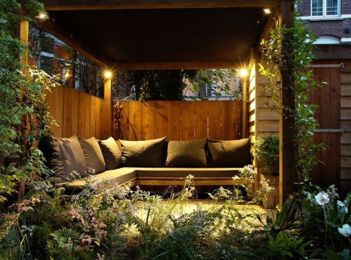 Perfect Diy Seating Incorporating Into Wall For Your Outdoor Space12