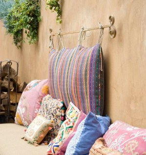 Perfect Diy Seating Incorporating Into Wall For Your Outdoor Space20