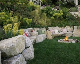 Perfect Diy Seating Incorporating Into Wall For Your Outdoor Space30