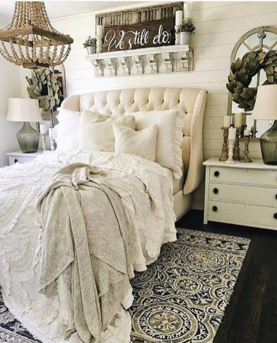 Amazing Farmhouse Style For Cozy Bedroom Decorating Ideas03