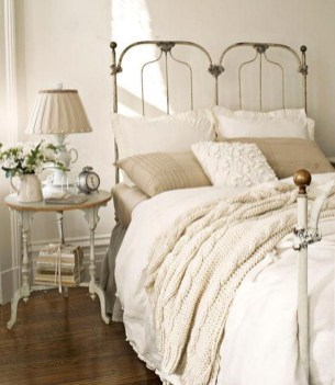 Amazing Farmhouse Style For Cozy Bedroom Decorating Ideas30