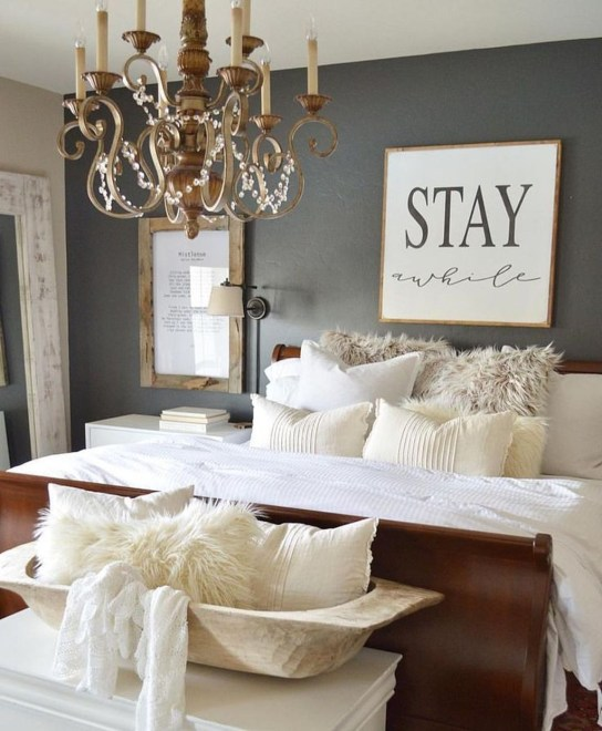 Amazing Farmhouse Style For Cozy Bedroom Decorating Ideas35