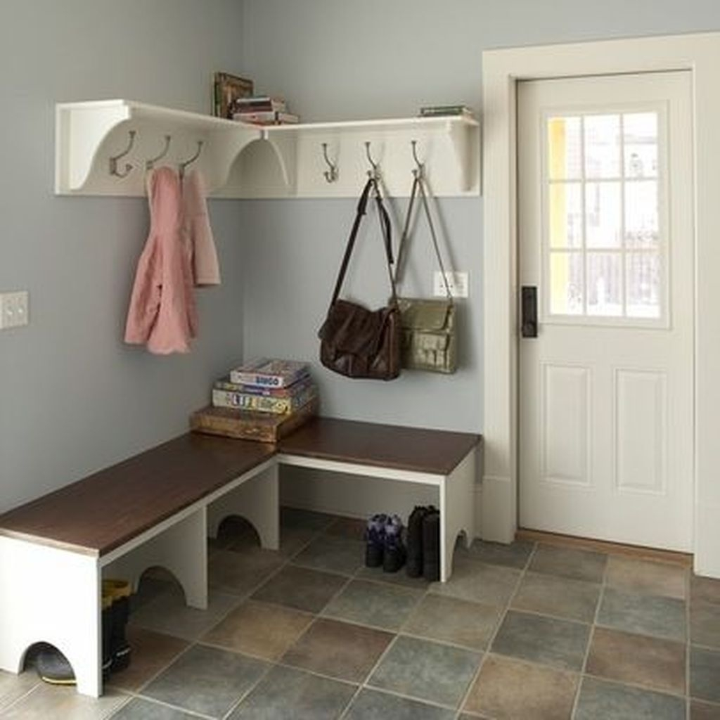 Beautiful Farmhouse Mudroom Remodel Ideas19