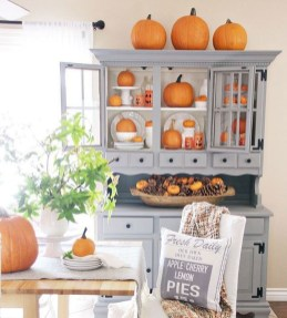 Charming Home Fall Decorating Ideas With Farmhouse Style36