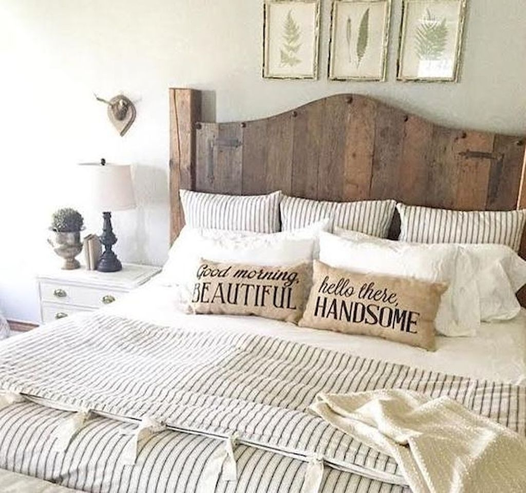 Marvelous Farmhouse Bedroom For Your House Design Ideas02
