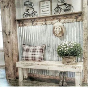 Pretty Farmhuose Entryway Design And Decor Ideas19