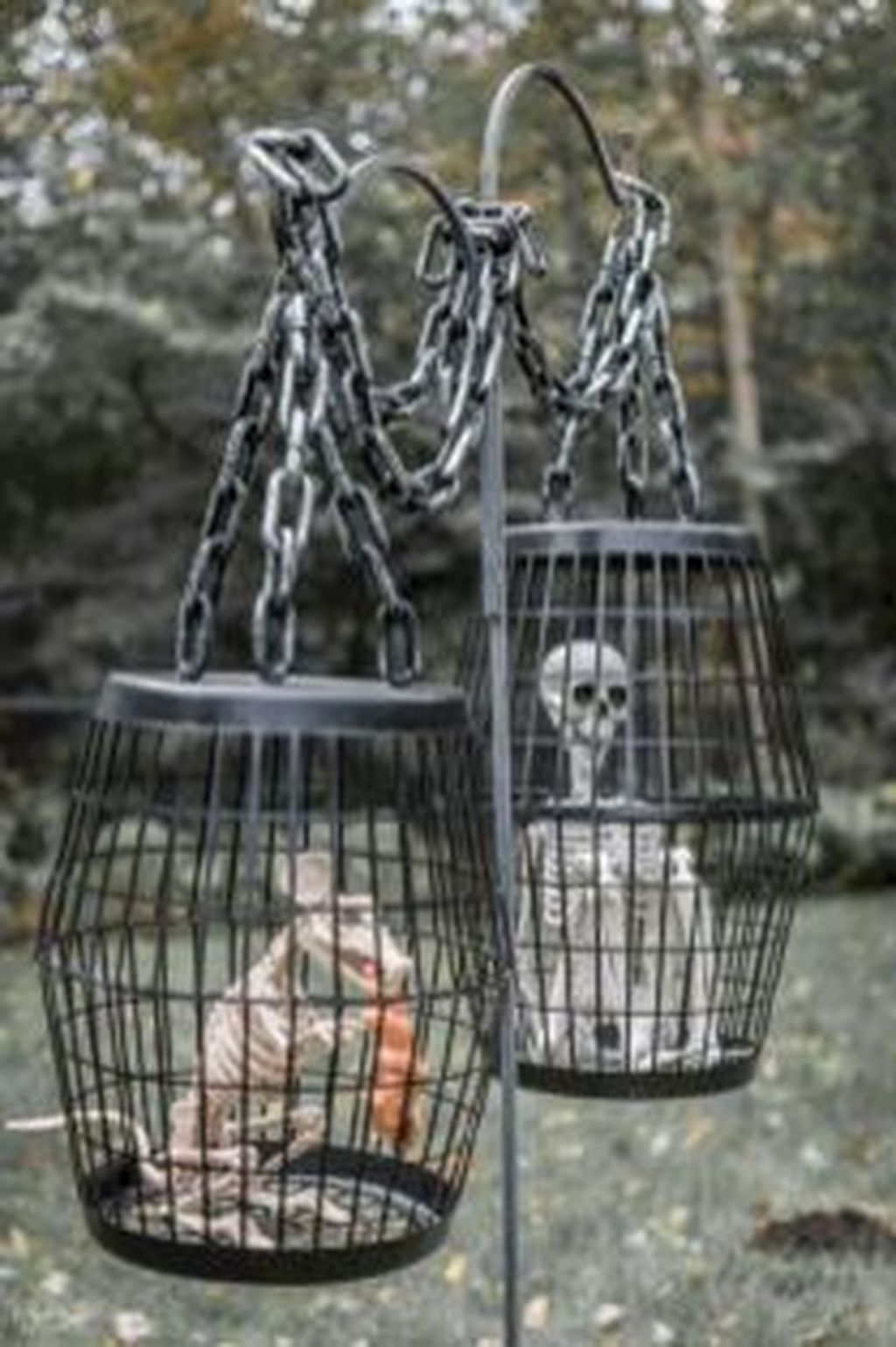 Stunning Diy Outdoor Halloween Decor And Design Ideas01