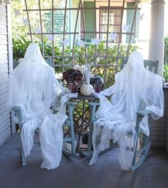 Stunning Diy Outdoor Halloween Decor And Design Ideas03