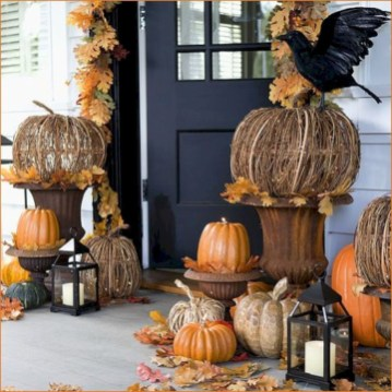 Stunning Diy Outdoor Halloween Decor And Design Ideas20