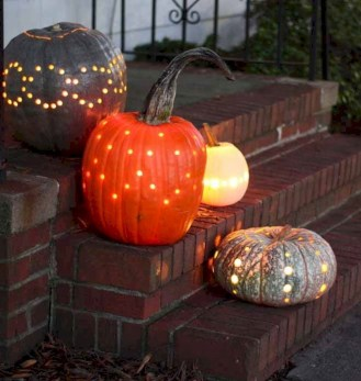 Stylish Wicked Halloween Porch Decorating Ideas On A Budget35