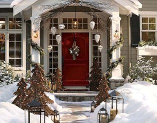 Attractive Front Yard Christmas Decoration Ideas23