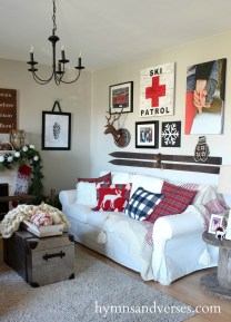 Awesome Vintage Christmas Living Room Decoration Ideas13