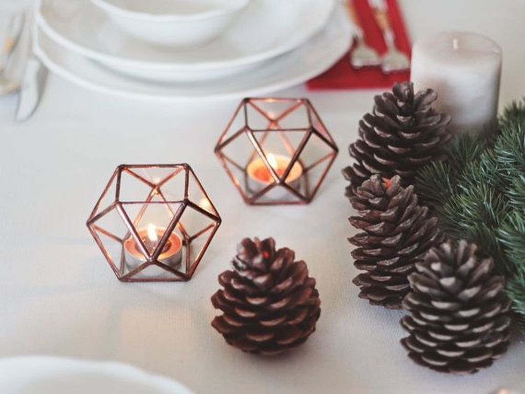 Beautiful Christmas Candle Holders Design Ideas13