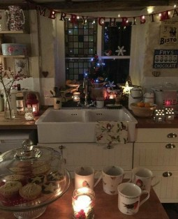 Lovely Christmas Kitchen Decorating Ideas02