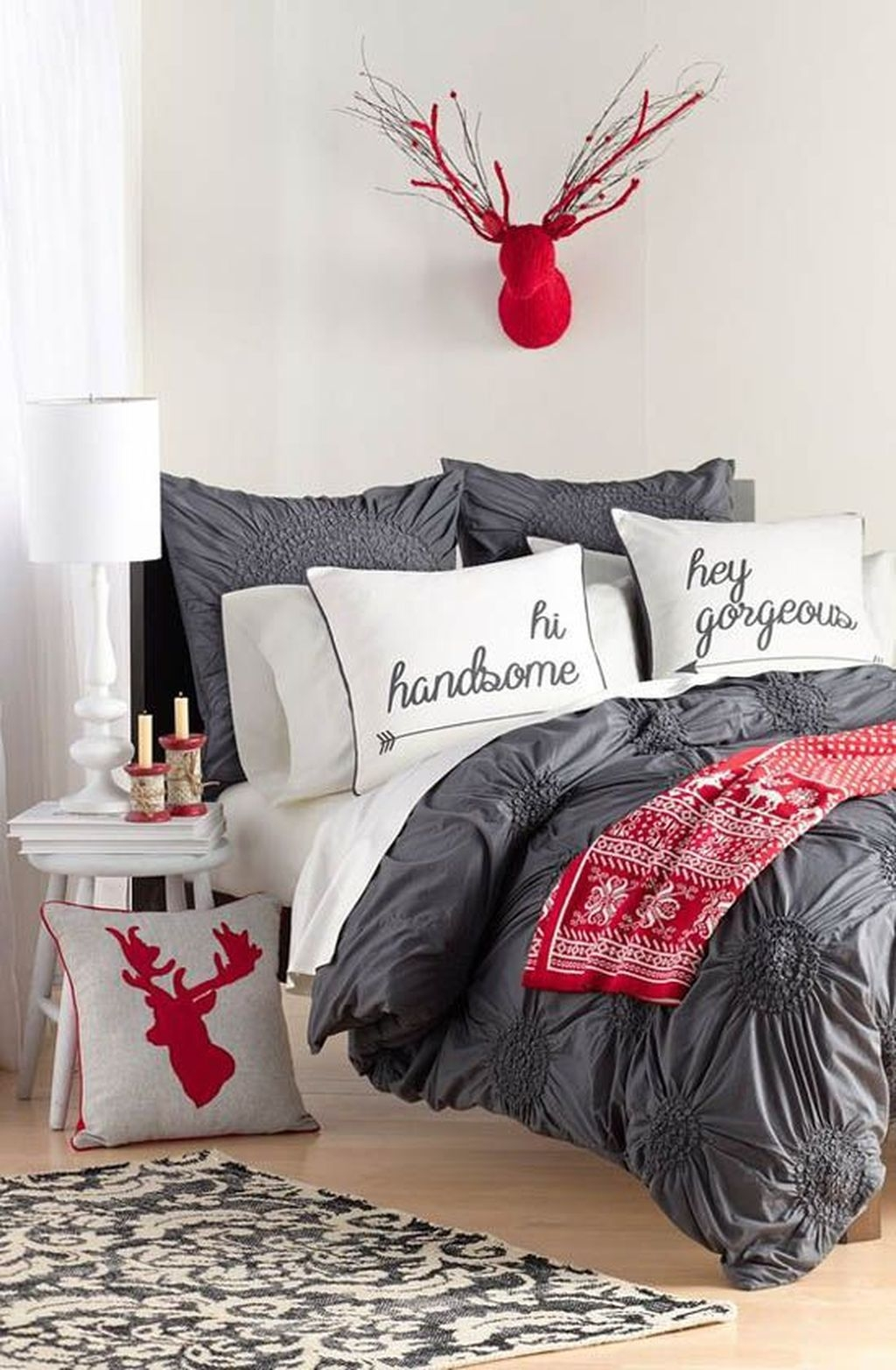 Perfect Christmas Bedroom Decorating Ideas02