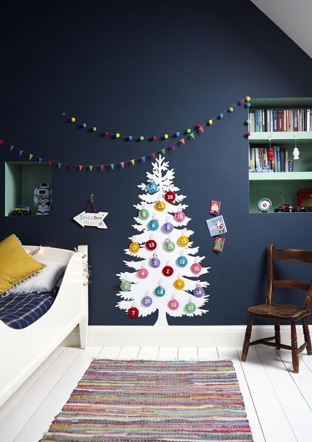 Perfect Christmas Bedroom Decorating Ideas24