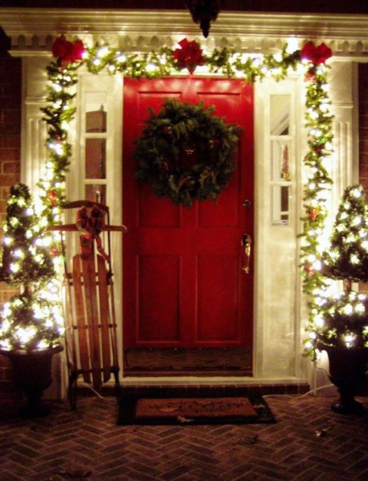Pretty Christmas Front Yard Landscaping Ideas01