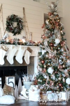 Unique Christmas Tree Decorating Ideas30