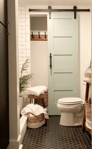 Affordable Beach Bathroom Design Ideas39