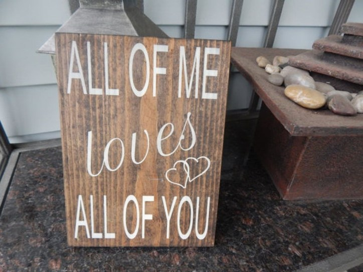 Affordable Outdoors And Indoors Signs Ideas For Valentines Day09