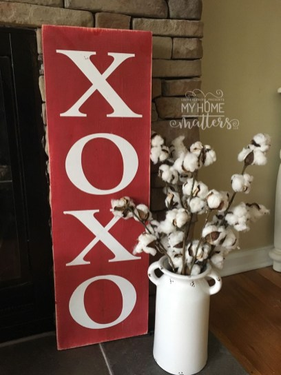 Affordable Outdoors And Indoors Signs Ideas For Valentines Day10