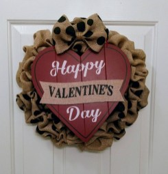 Affordable Outdoors And Indoors Signs Ideas For Valentines Day11