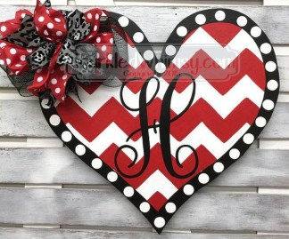 Affordable Outdoors And Indoors Signs Ideas For Valentines Day40