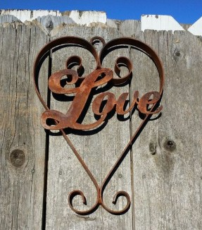 Affordable Outdoors And Indoors Signs Ideas For Valentines Day43
