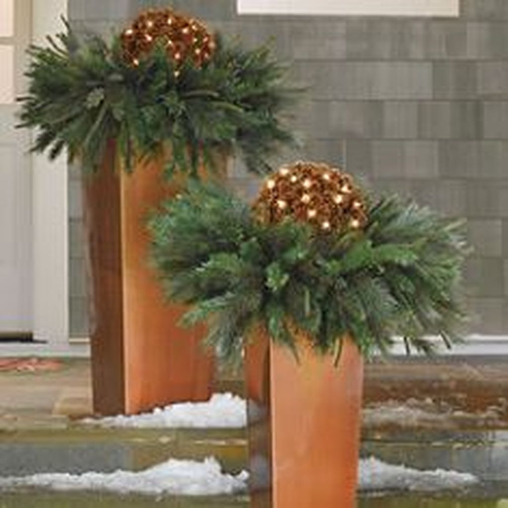 Awesome Outdoor Winter Decoration Ideas18