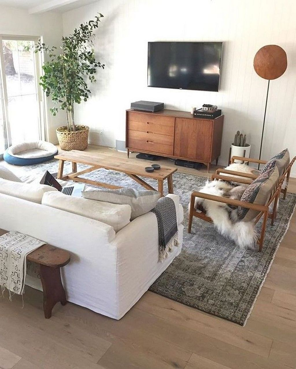 Beautiful Family Friendly Living Rooms Design Ideas35