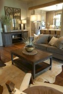 Beautiful Family Friendly Living Rooms Design Ideas37