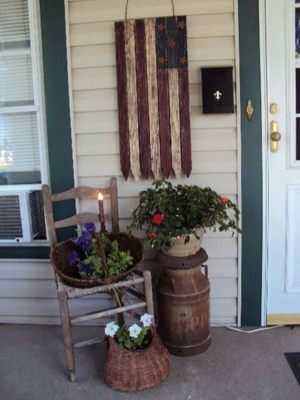 Best Farmhouse Front Porch Decoration Ideas42