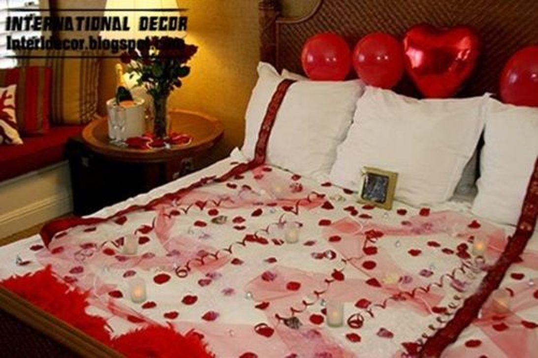 Cozy Bedroom Decorating Ideas For Valentines Day26