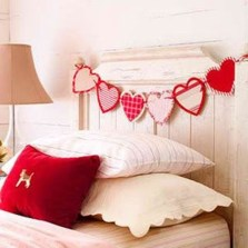 Cozy Bedroom Decorating Ideas For Valentines Day34