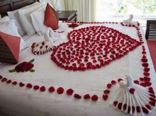 Cozy Bedroom Decorating Ideas For Valentines Day39