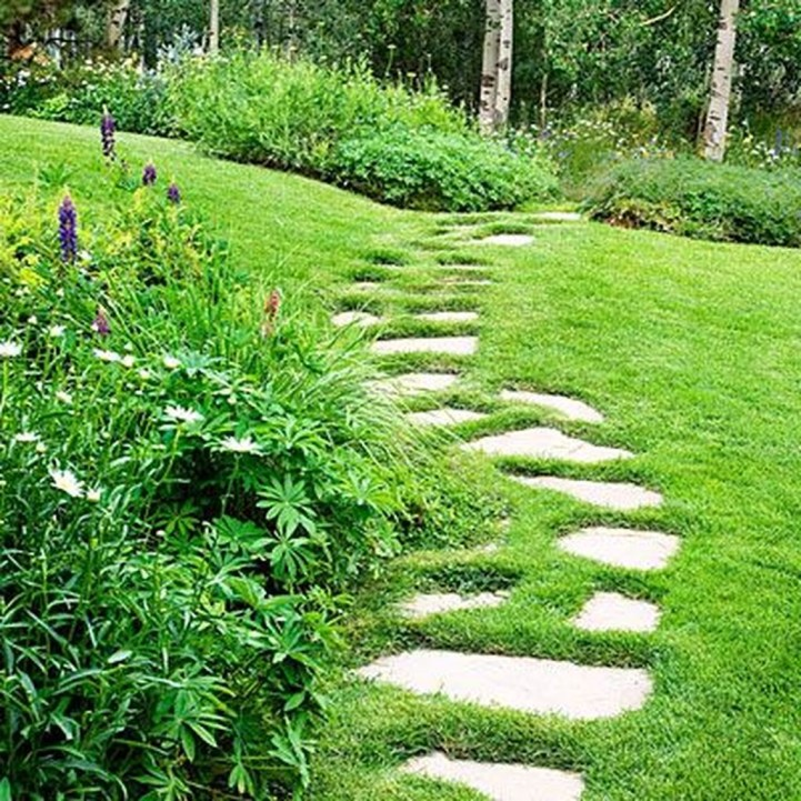 Inspiring Stepping Stone Pathway Decor Ideas For Your Garden01
