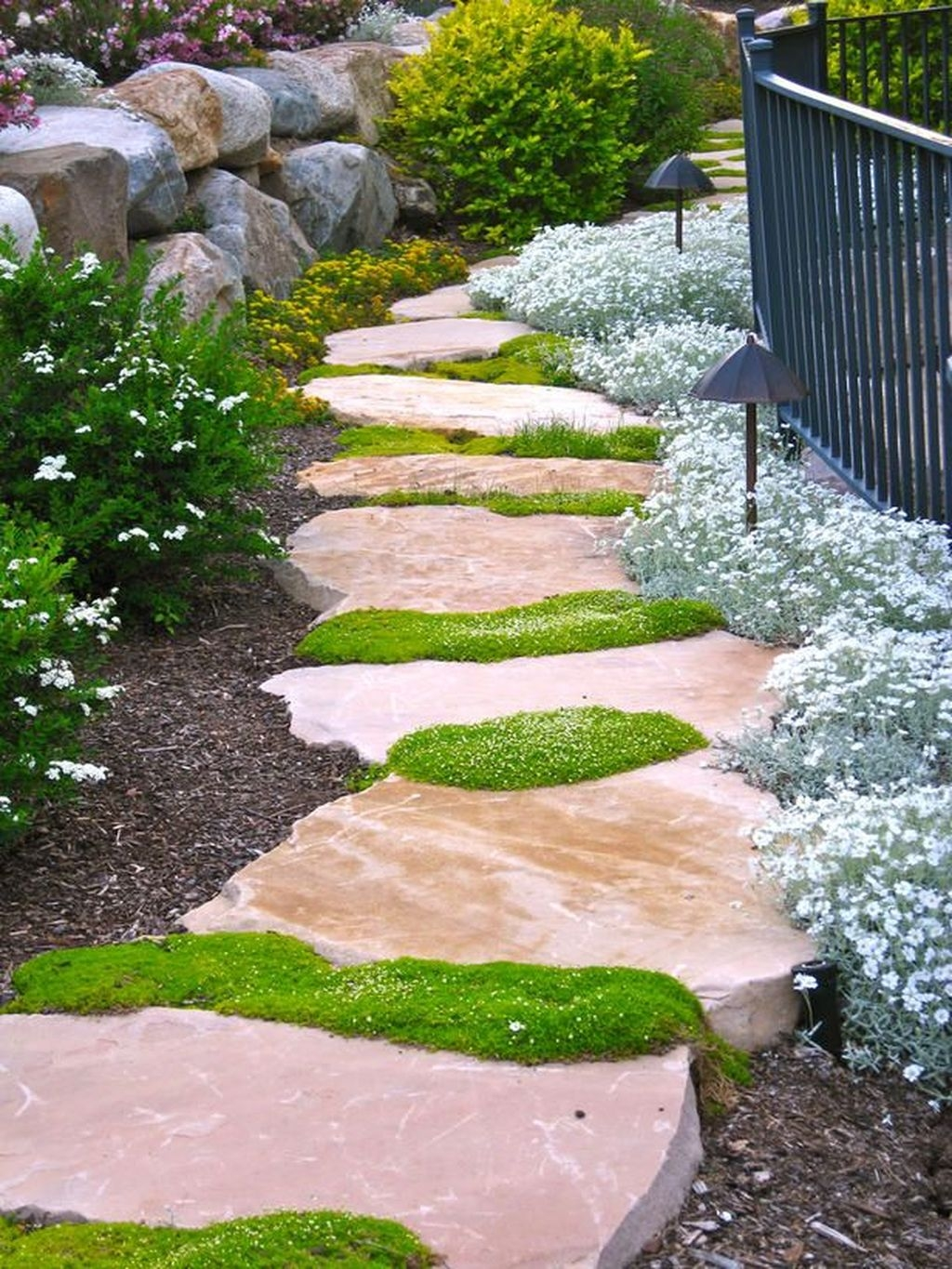 Inspiring Stepping Stone Pathway Decor Ideas For Your Garden13