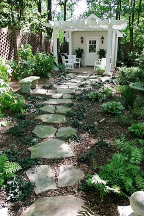 Inspiring Stepping Stone Pathway Decor Ideas For Your Garden15