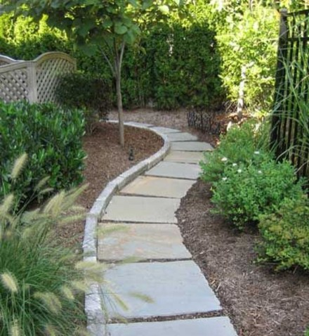 Inspiring Stepping Stone Pathway Decor Ideas For Your Garden30
