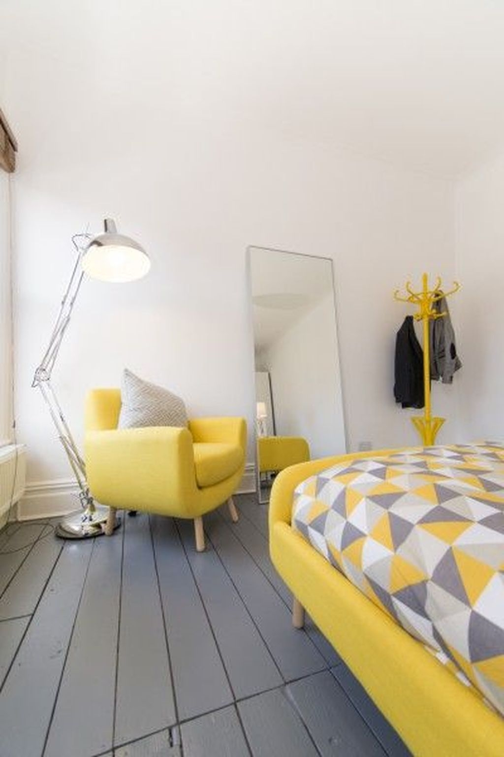 Perfect Yellow Bedroom Decoration And Design Ideas04