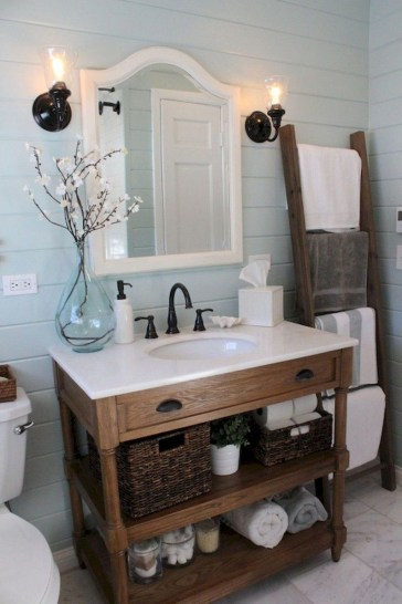 Stunning Coastal Style Bathroom Designs Ideas37