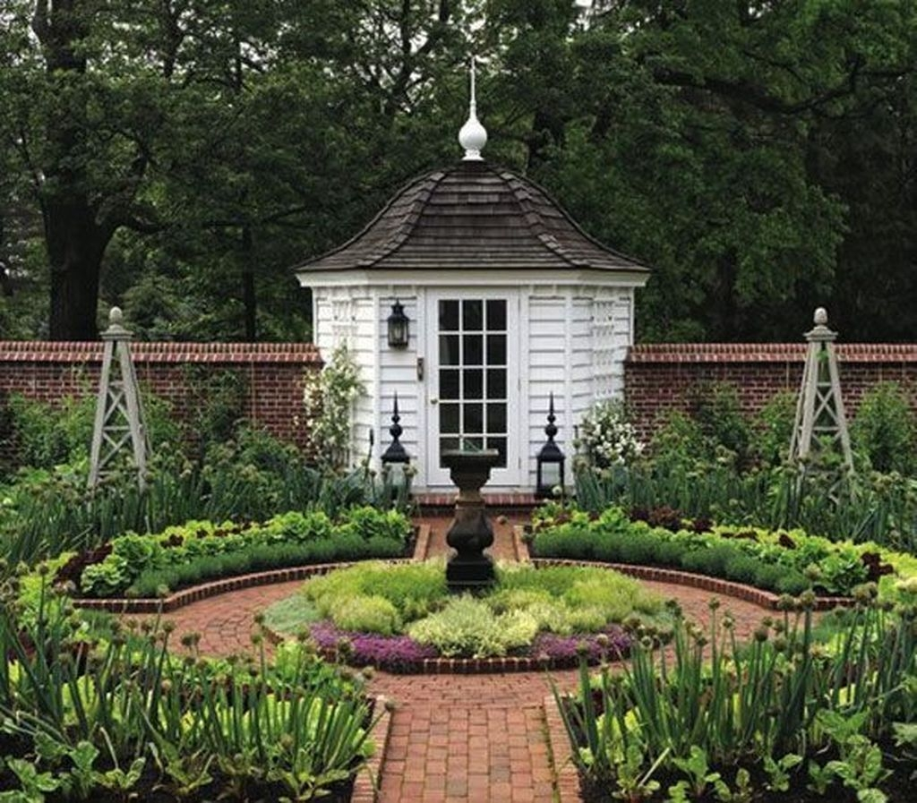 Awesome Shed Garden Plants Ideas27