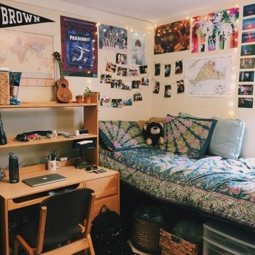 Brilliant Dorm Room Organization Ideas On A Budget19