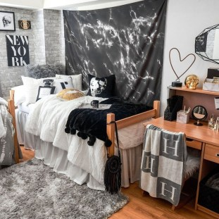 Brilliant Dorm Room Organization Ideas On A Budget47