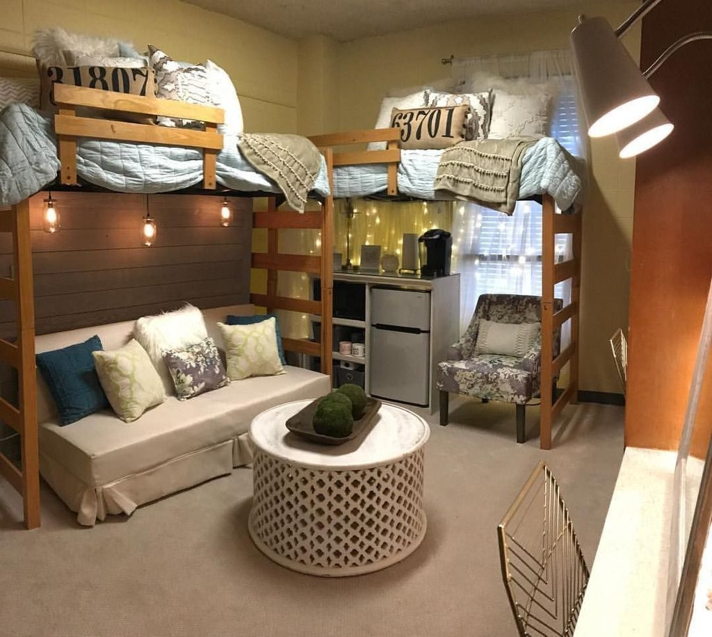 Brilliant Dorm Room Organization Ideas On A Budget48