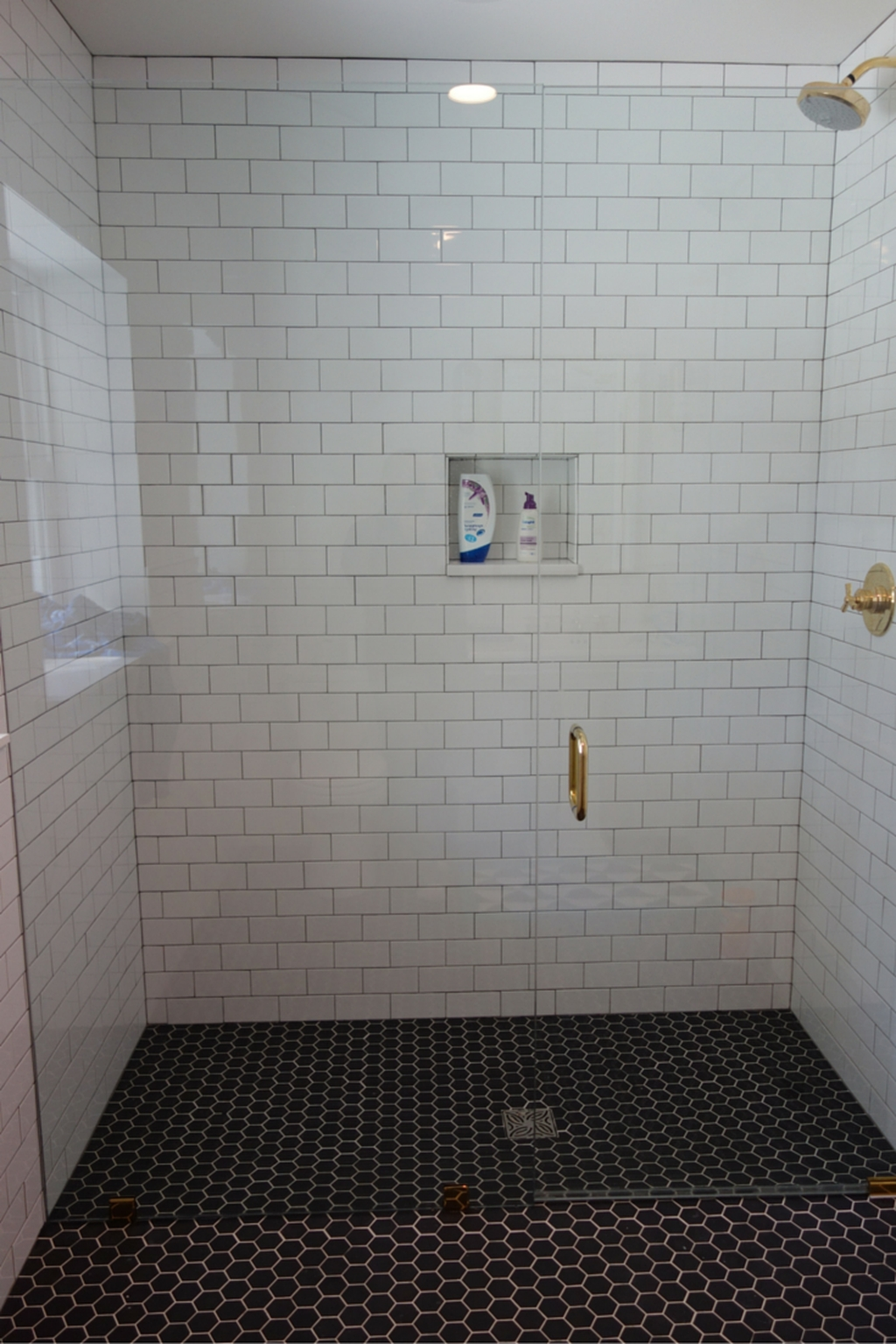 Incredible Curbless Shower Ideas For House36
