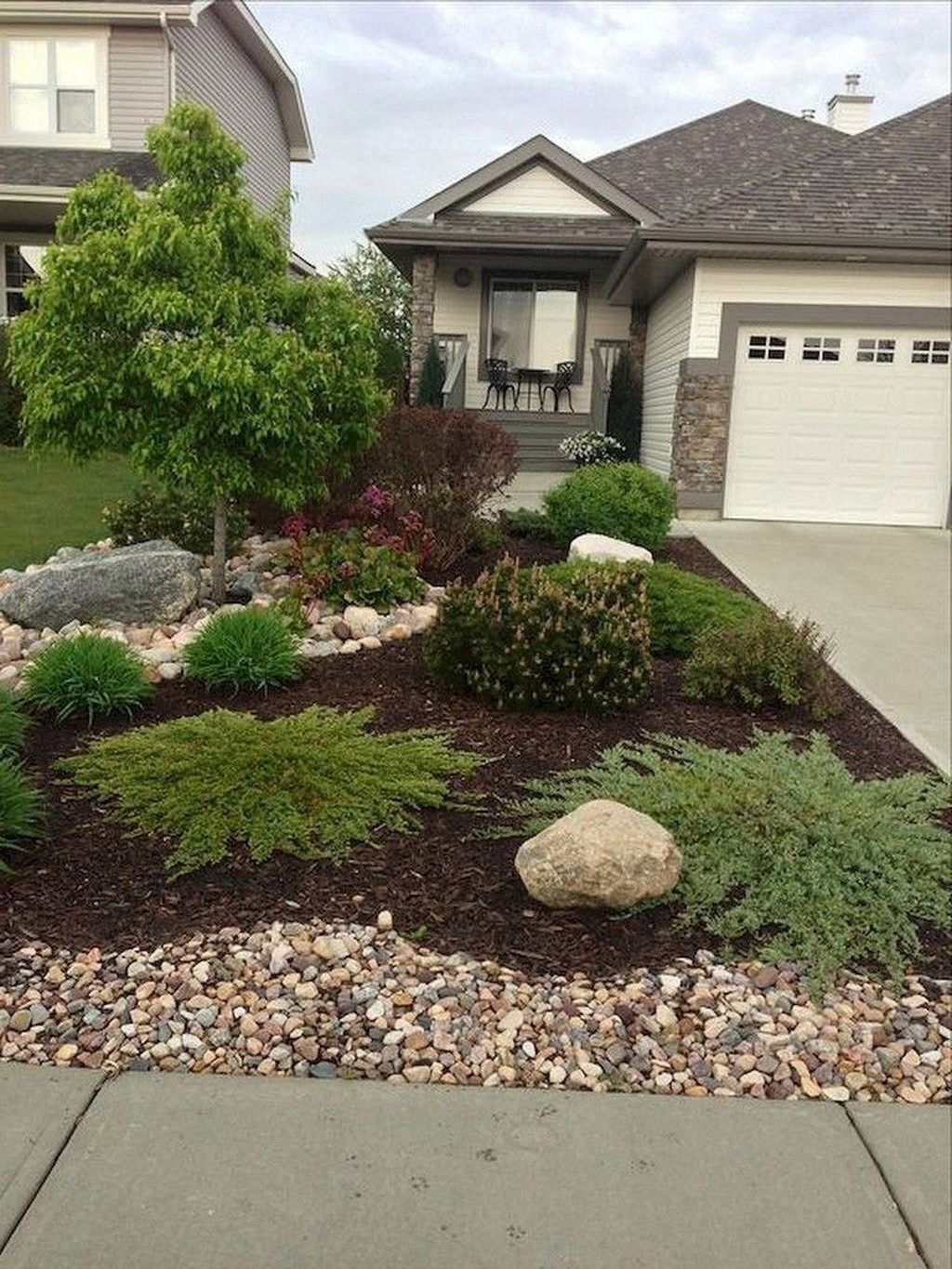 Inexpensive Front Yard Landscaping Ideas24