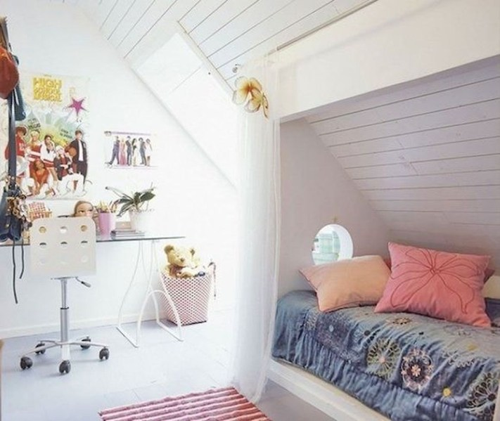 Affordable Attic Kids Room Decor Ideas15