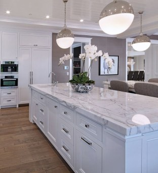 Captivating White Cabinets Design Ideas For Kitchen33
