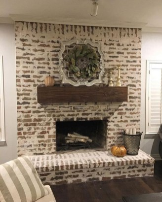 Modern Brick Fireplace Decorations Ideas For Living Room24